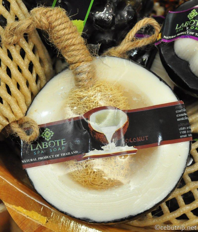 これに決まり!!絶対にもらって嬉しいセブ島のおすすめ土産「南国フルーツ石鹸」ココナッツ