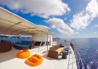 Cebu's Ultimate Cruiser Yacht Experience