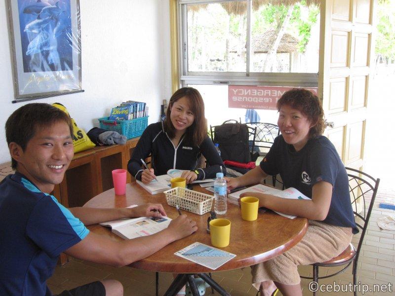フィリピンで【PADI】にいち早く公認されたダイビングショップ「P.S.Q.DIVERS」