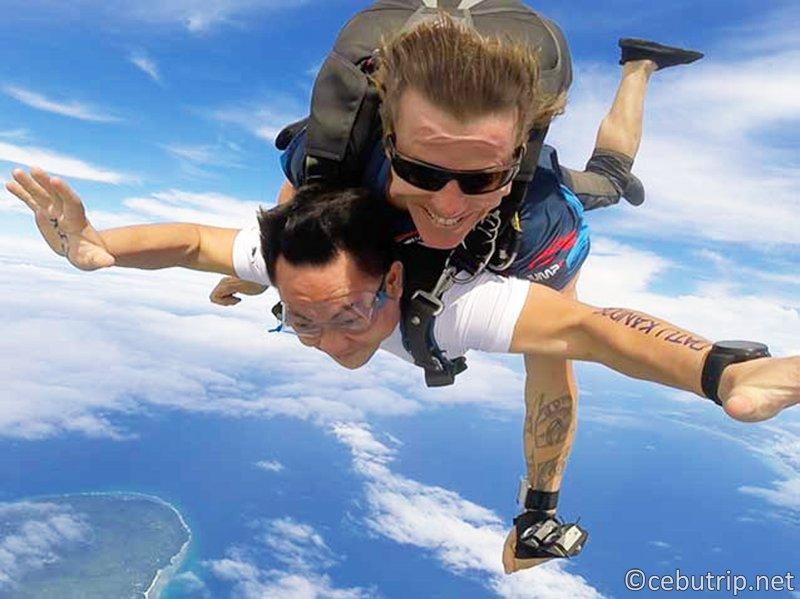 セブでできるのはダイビングだけじゃない!人生で一度はやりたいスカイダイビング!