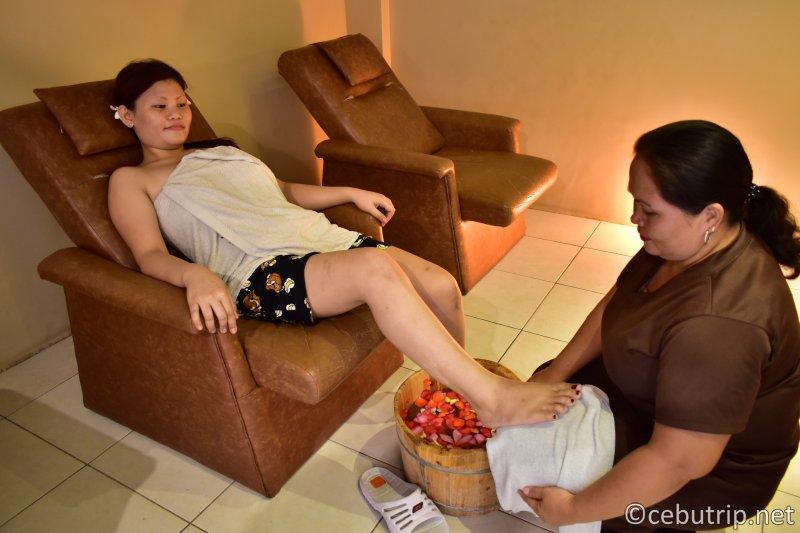 Touch the body, Calm the mind, Heal the spirit at Thai Boran Marigondon!