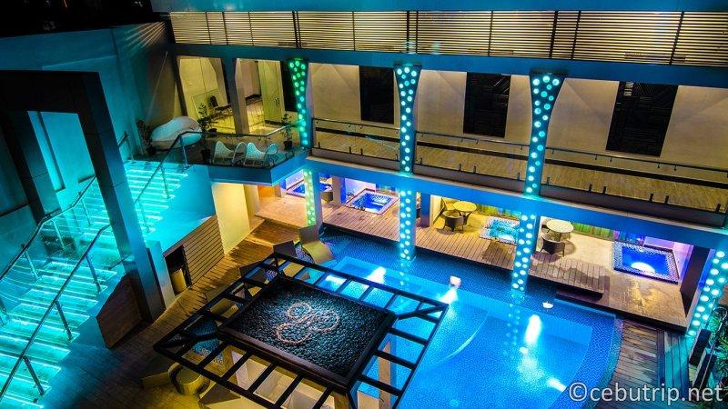 セブの人気エリア「マクタン島」に位置する「エロイサロイヤルスイート(Eloisa Royal Suites)」