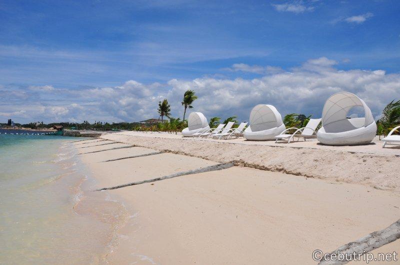 solea-resort-mactan-beach-cabana-swim