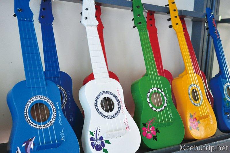 マクタン島はギターの生産地で有名!! 「アレグレギター」 ウクレレ