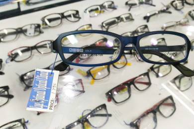 マリーナモール内にあるメガネ屋さん #