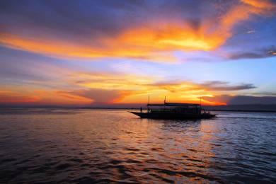 マクタン島の夕日